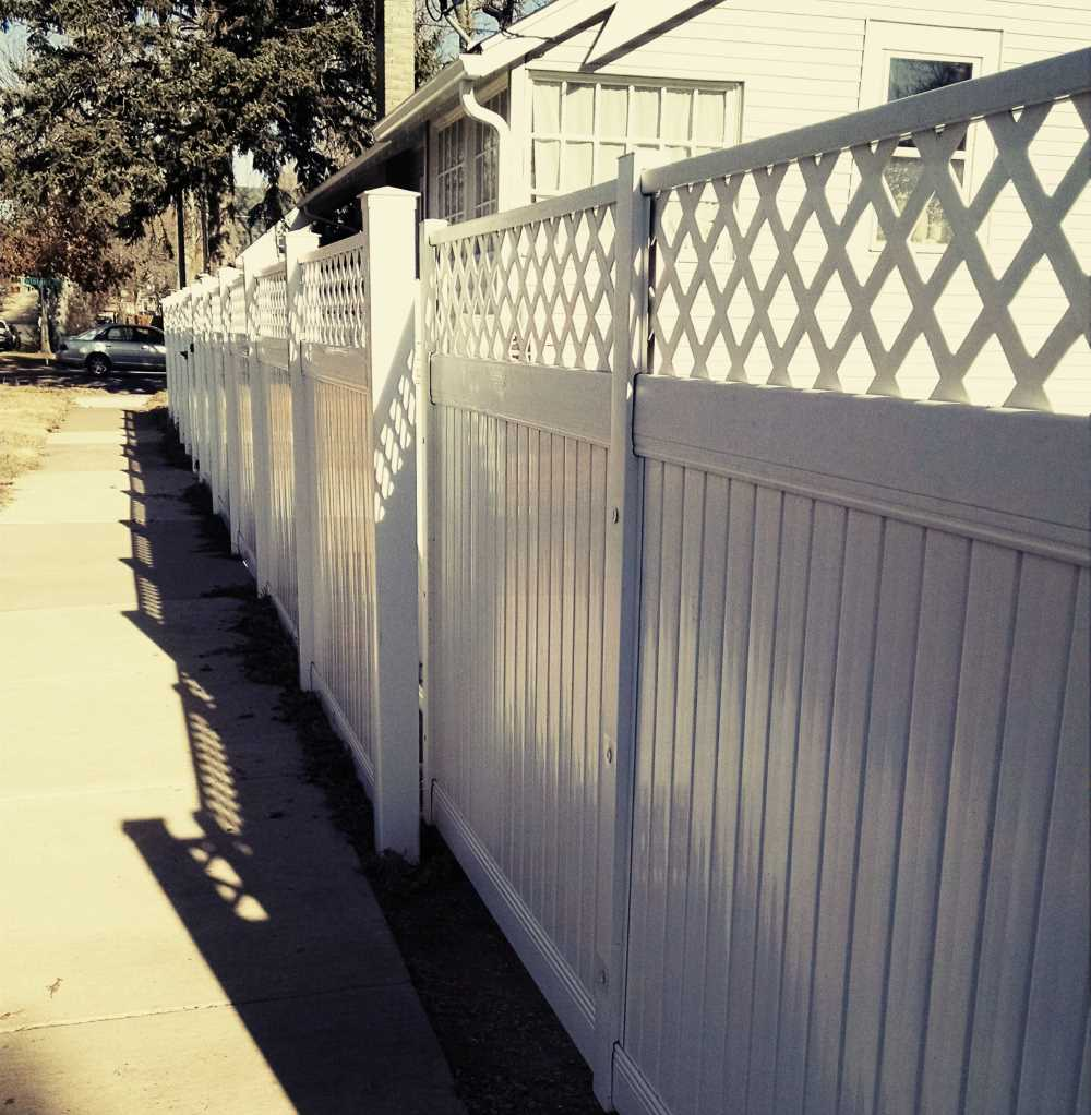 Residential White Pvc Fence With Lattice Accent And Steel